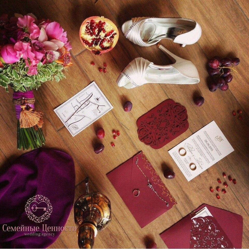 Свадебный букет и аксессуары невесты